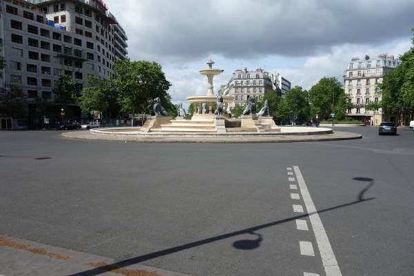 Place Felix Eboue, la fontaine aux lions Paris 12